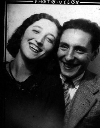 Tomás y Paquita en una foto de novios. Se conocieron en 1926, en un viaje de estudios a Barcelona.