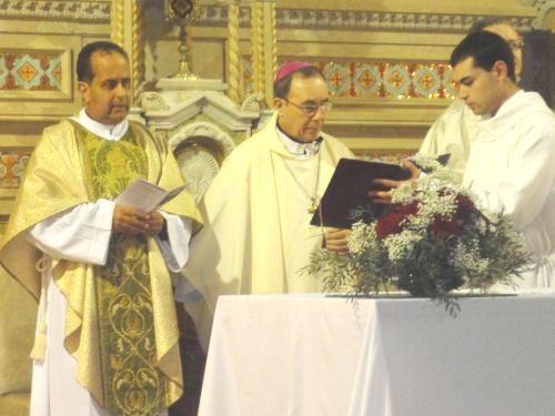 """Mons. González Saracho: """"Tenemos necesidad de una Iglesia que mueva al mundo… que mueva al Uruguay""""."""