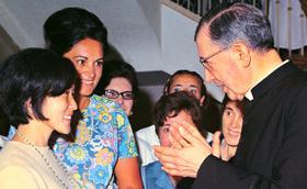 """Prelado: """"De S. Josemaria desejo imitar o seu caminhar alegre e entregue"""""""