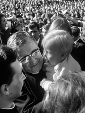 De heilige Jozefmaria Escrivá. Universiteit van Navarra, Pamplona (Spanje). 9-10-1967.