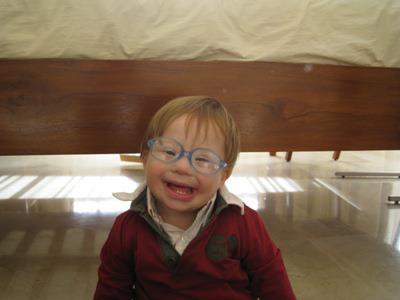 Luis y María adoptaron a Josemaría, un niño con síndrome de Down, cuando ya tenían siete hijos. Al poco tiempo a Luis le diagnosticaron una leucemia. En casa, los niños decían a su madre: ¿te imaginas cómo habría sido este año si no hubiéramos tenido a Josemaría?