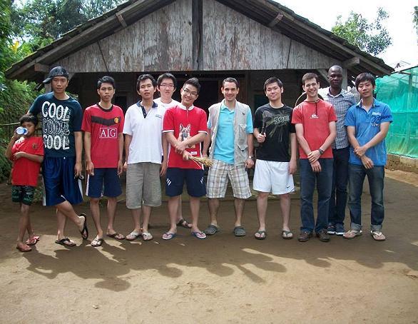 Baksos yang dilaksanakan oleh Griya Semeru di Sendang, Jawa Timur