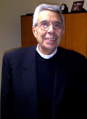 Padre Luis Tegerizo: un sacerdote cien por cien