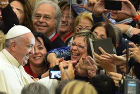 Le Pape François s'adresse aux médecins