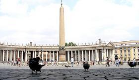 """Kardinal Ruini označil don Álvara za """"zgled posvečevanja v običajnem življenju"""""""