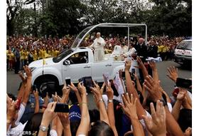 Le Pape à Manille exhorte à la lutte contre la corruption