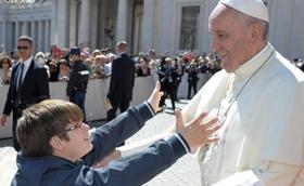 教宗公開接見:基督徒不可與罪妥協,但對罪人要慈悲為懷