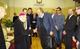 El Prelado, en Estonia y Finlandia