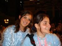 Alexia com uma amiga peruana