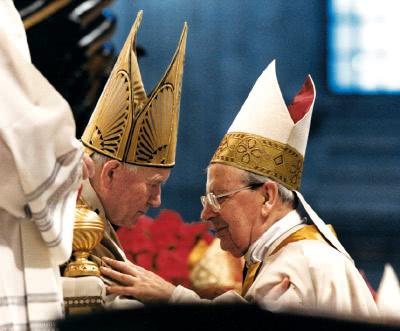 El beat Joan Pau II amb Mons. Álvaro del Portillo.