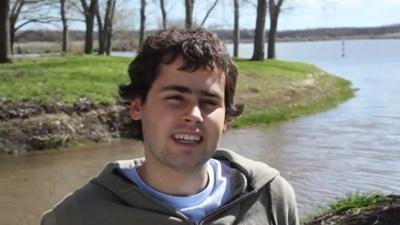 """Alberto est un jeune étudiant argentin. Sa foi chrétienne l'encourage à se remettre en question: """"Que puis-je faire pour les autres?""""."""