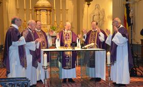 Messe de suffrages pour Mgr Javier Echevarría