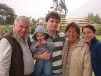 María Luisa Zoia y su familia