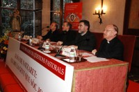 D'esquerra a dreta, el prof. Francisco Varo, de la Universitat de Navarra; el Dr. Antoni Pujals, vicari de la Prelatura de l'Opus Dei per a Catalunya; el Dr. Armand Puig i el Dr. Joan Garcia Llobet, organitzador de les jornades.