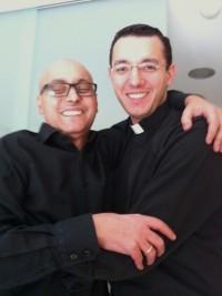 Con su hermano Javier, que es quien escribe este artículo