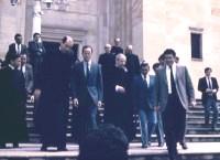 Don Alvaro saliendo de la Basílica de Nuestra Señora de Chiquinquirá.