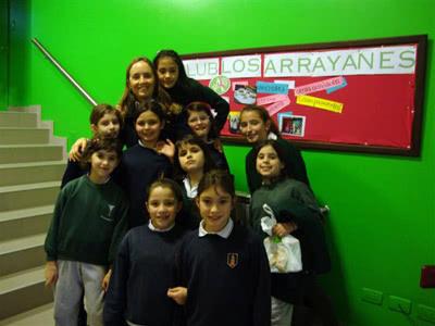 Con algunas de las chicas que asisten al Club Los Arrayanes