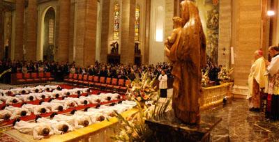 Photo d'une des ordinations en la basilique Saint Eugène (Rome).