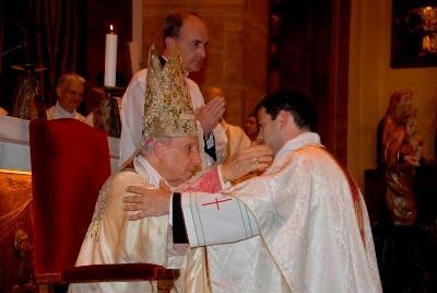 Don Ferran Canet con el Prelado del Opus Dei, Mons. Javier Echevarría, en el día de su ordenación sacerdotal.