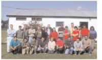 El grupo de la Escuela de Jardinería en el campo de deportes de Los Molinos, lugar donde se dictan clases semanales.