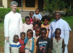 Argentinos por el mundo: P. Eduardo Carú en Nigeria