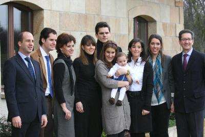 Pilar na fotce s rodinou