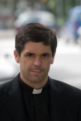 Informático, rugbier y escalador; ahora sacerdote
