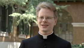 Seuraa pappisvihkimystä livenä