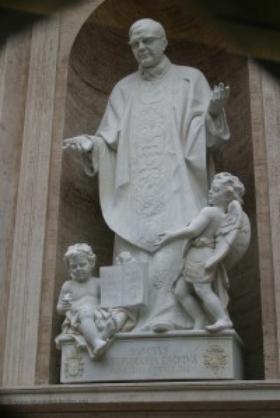 Patung Santo Josemaría di Basilika St Petrus di Roma