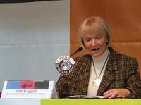 Jutta Burggraf en una conferencia