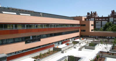 Les bâtiments du Centre de Soins Laguna, au sud de Madrid.