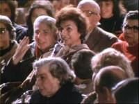 María y Angelita en el encuentro con San Josemaría en el Coliseo