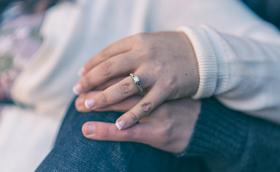 A intimidade no casamento: felicidade para os esposos e abertura à vida