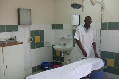 Una de las habitaciones de revisión de pacientes.
