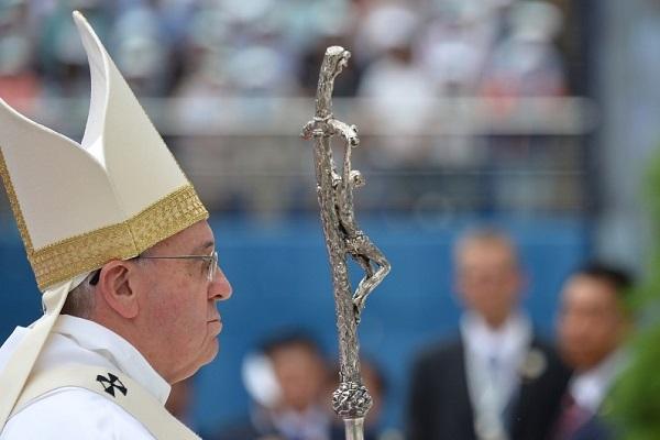 Le Pape François rentre de Corée du Sud