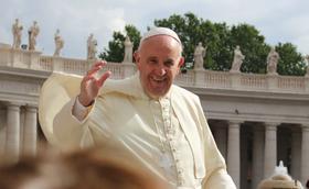 Paus Franciscus: hoe kan ik de naaste worden van de andere?
