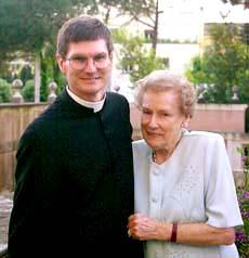Pe. Peter com sua mãe