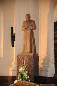San Josemaría celebró misa en la parroquia de Santa Engracia en 1946.