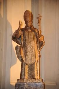 El beato Juan Pablo II visitó Zaragoza en dos ocasiones: en 1982 y en 1984. En su primera visita veneró las reliquias de las Santas Masas, custodiadas en Santa Engracia.