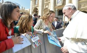 """El Papa Francisco, a los jóvenes: """"El amor más grande es el de aquel que se entrega sin reservas"""""""