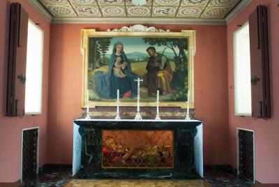 Die Josefskapelle in Villa Tevere. Unter dem Altar die Reliquien des hl. Severin.