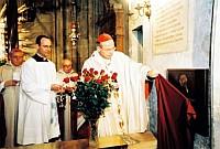 Kardinal Schönborn enthüllt die Gedenktafel