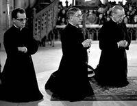 Mgr. Echevarría, de heilige Jozefmaria en D. Álvaro del Portillo bidden de rozenkrans.