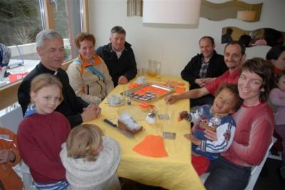 V.l.n.r. Erwachsene: Dr. theol. Andreas Wildhaber, Cornelia und Hanspeter Mannhart, Köbi Züst, Beat und Regula Häberli.