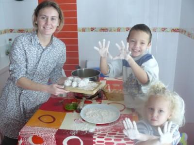 Miriam con sus hijos