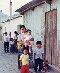 Vecindario de San Antonio Aguscalientes, de donde provienen varias de las beneficiarias de Las Gravileas.