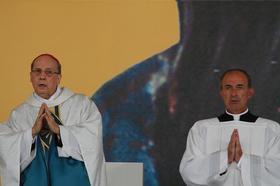 piispa Álvaron autuaaksijulistamisen kuvagalleria
