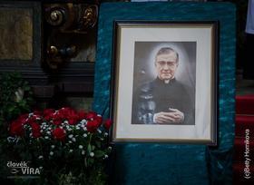 Bohoslužba ke cti sv. Josemaríi Escrivá de Balaguer, červen 26. v Praze