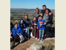 Familias de Los Pinos peregrinan al Verdún (Minas)