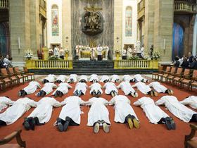 Sfințire de diaconi la Roma (31.10.2015)